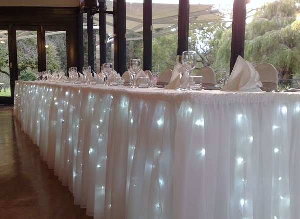 bridal-table-fairy-light